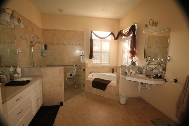 After-Coutu Accessible Bath